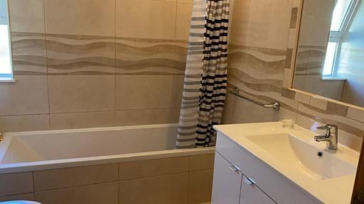 Main_Bathroom_3